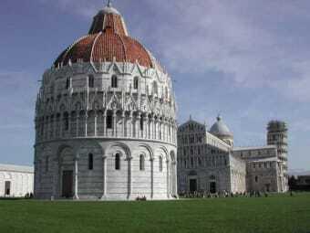 Piazza dei Miracoli (Wunderplatz) in Pisa