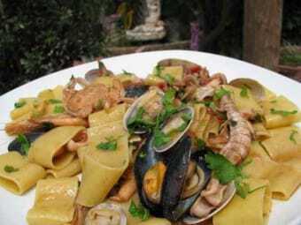 seafood of Naples