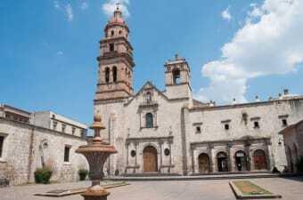 Piazza Principale Lazaro Cardenas